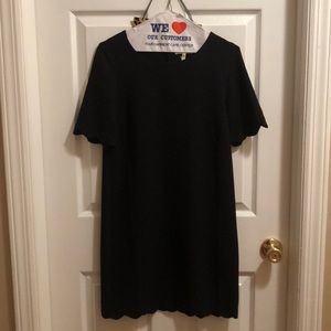 NWOT black scallop patterned short sleeve dress